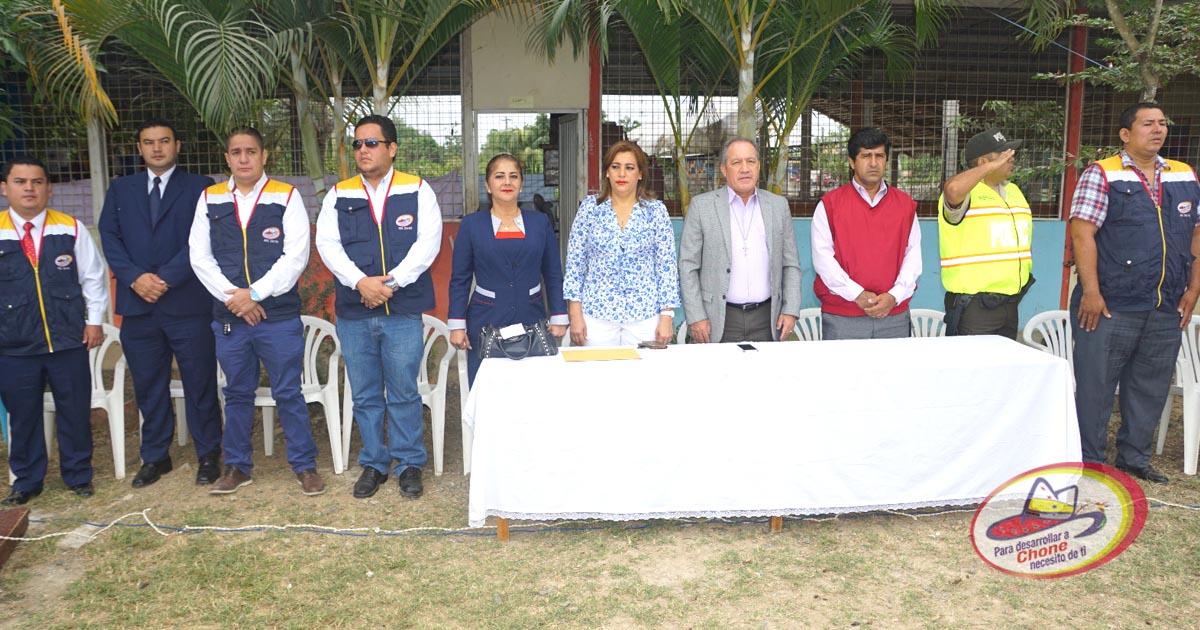 En Hora Cívica se recordó Día del Escudo Nacional del Ecuador