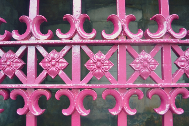 Glasgow necropolis pink gate