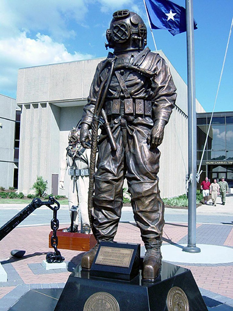 US NAVY DIVER Memorial