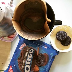 single serving size is 2...maybe♡  #legoûter #japan #oreo #coffee
