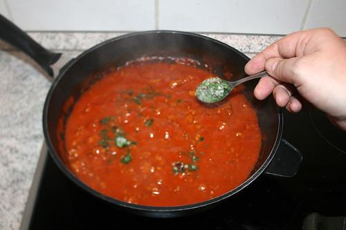 08 - Italienische Kräuter einrühren / Stir in italian herbs