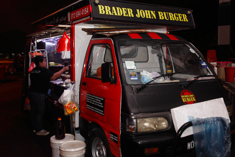 Brother-John-Burger-Truck-Damansara-Uptown
