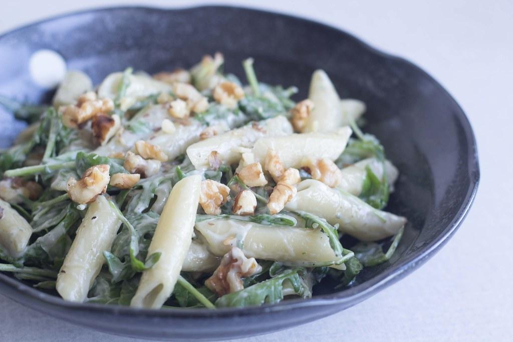 Pasta med gorgonzolasauce, ruccola og valnødder (11)