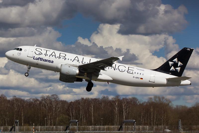 Lufthansa - A320 - D-AIPC (1)