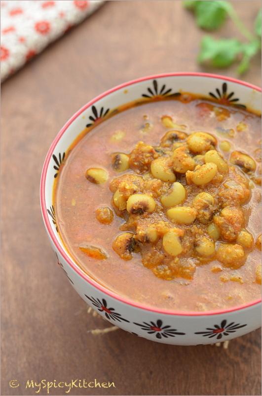 Black-eyed peas curry, Goan curry, Goan Food, Goan cuisine, Tonak, Alssande tonak, black eyed peas tonak, Blogging Marathon, Buffet on Table,