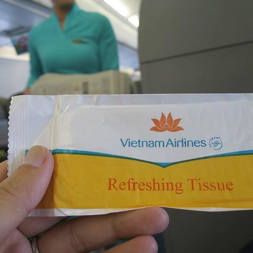 Vietnum Airline 香りつきのおしぼり