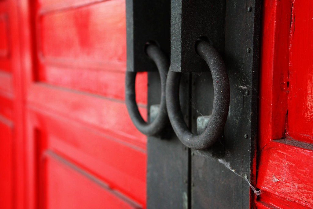 Catchy Colors: Red and Black Selections | Flickr Blog