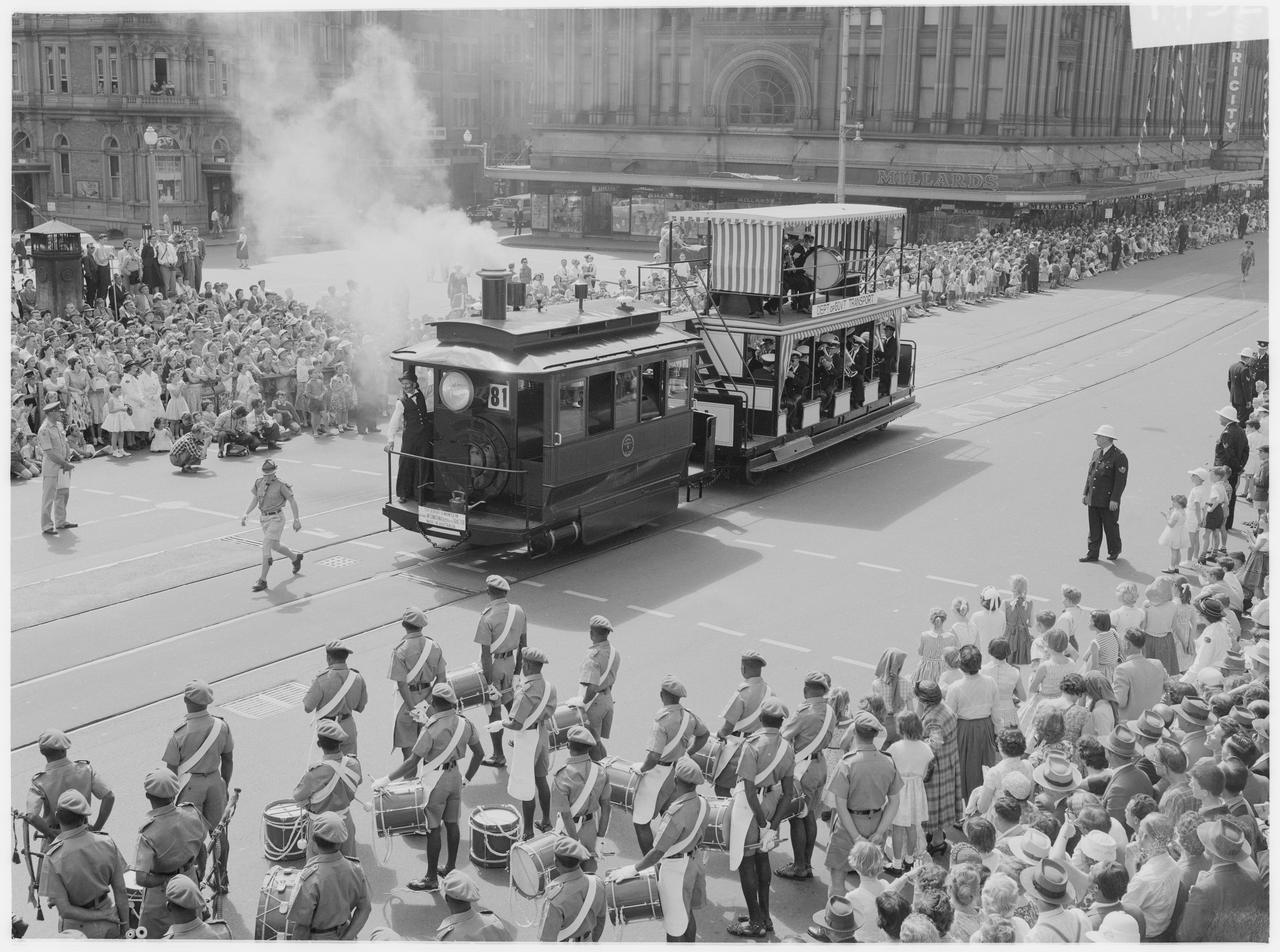 Parade along George Street for Waratah spring festival, 13 October 1959 / unknown photographer
