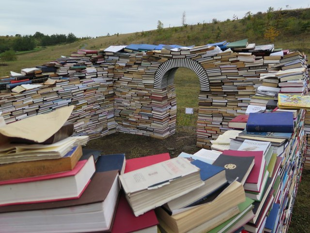Books do furnish a milecastle