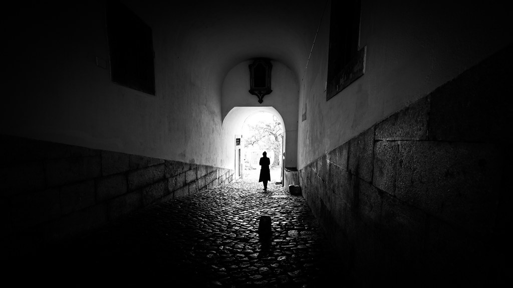 The girl - Lisbon, Portugal - Black and white street photography