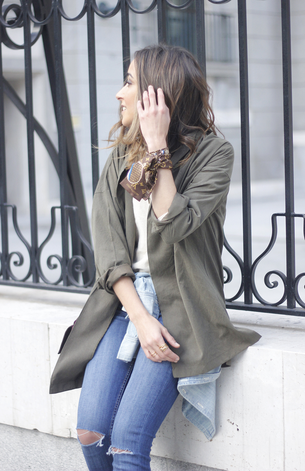 army green shirt jeans nude heels uterqüe purse outfit18