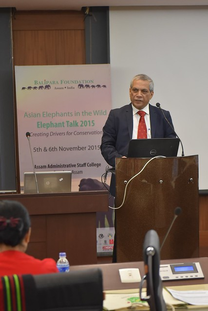 R.K. Srivastava, opened the talk by giving a brief introduction on the issues and threats faced by wild elephants and the conservation initiatives. He suggested that strategies like Trans boundary coordination will help in elephant conservation.