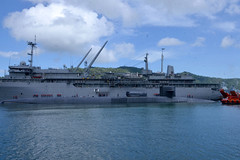 USS Ohio (SSGN 726) comes alongside USS Emory S. Land (AS 39) to moor.  (U.S. Navy/MCSN Zachary A. Kreitzer)