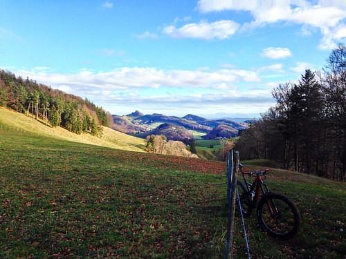 Blick zurück ... Bölchen zum 12. mal dieses jahres #winterpokal #bölchen #mtb #specialized #6fattie #blickaufdiealpen
