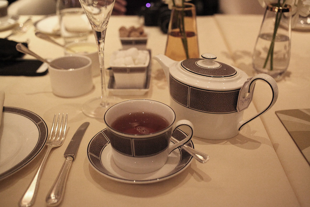 pure-darjeeling-tea-for-afternoon-tea-at-the-palm-court-langham-hotel