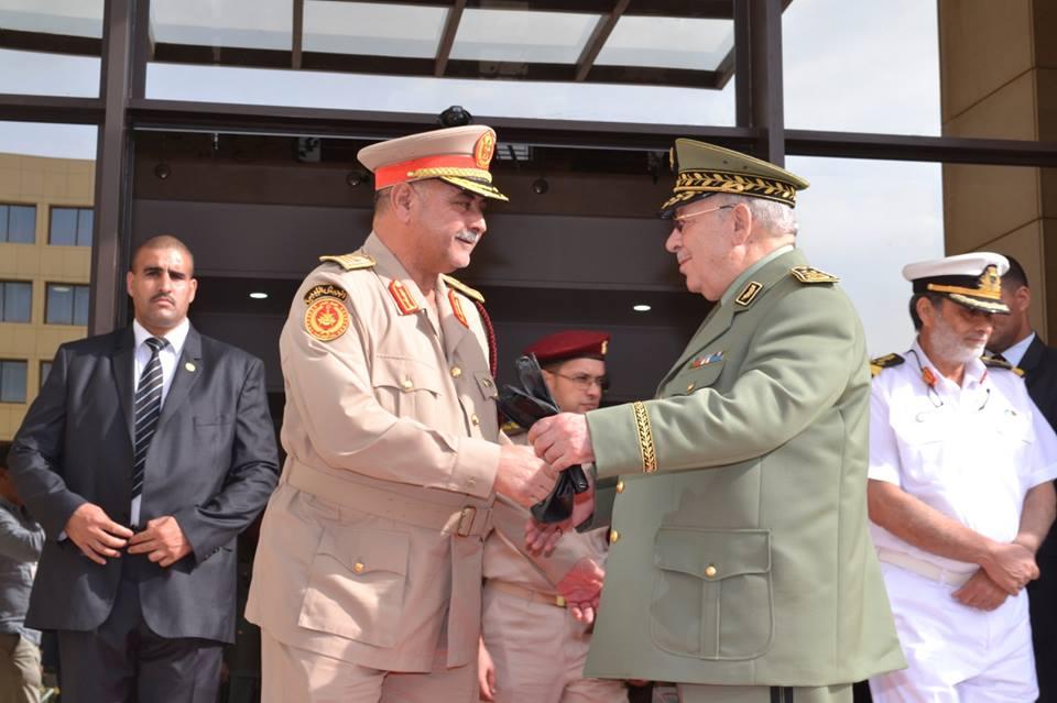الجزائر : صلاحيات نائب وزير الدفاع الوطني - صفحة 5 30780956395_9e20eff0ac_o