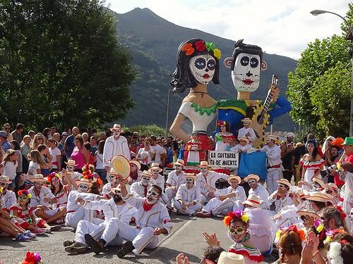 #Laguitarra #DescendoFolkloricodelNalon #Poladelaviana  #Spanishfestivalsandtraditions #tradicionesyfiestasespañolas