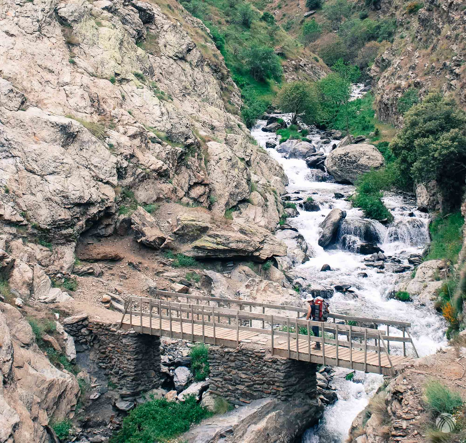 Puente sobre el río Guarnón