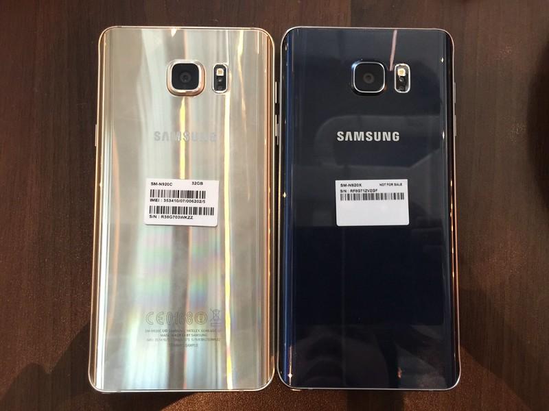 Samsung Galaxy Note 5 - Black Sapphire & Gold Platinum (Back)