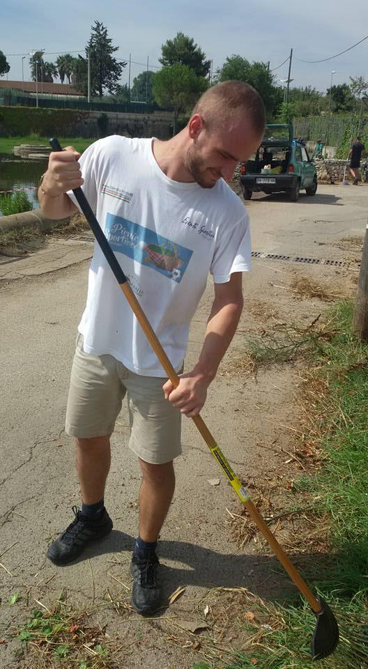 Conversano- cittadini ripuliscono il lago di Sassano 4
