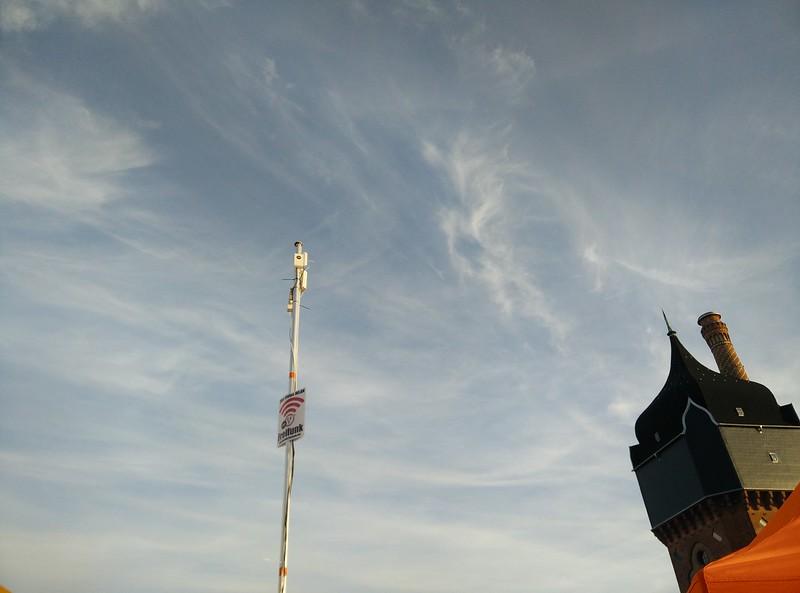 """Unser """"Sendemast"""" neben dem Wasserturm"""