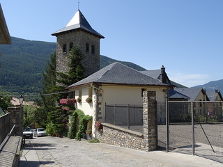 Moderna iglesia de Gavín