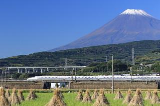 富士山の麓を駆け抜ける