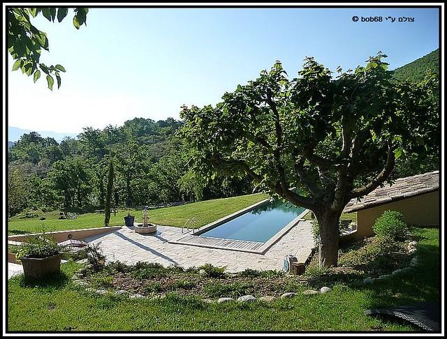 עוד מבט על הבריכה של וילה מאקדה