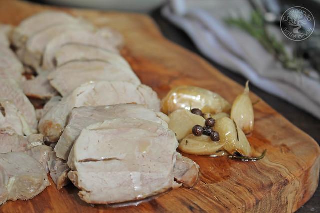 Solomillo en manteca con salsa romesco www.cocinandoentreolivos.com (28)