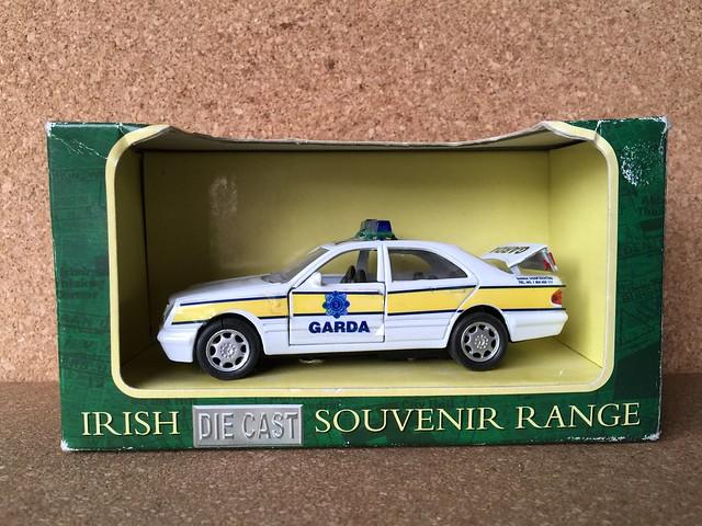 Kiddiefun 10291 - Irish Die Cast Souvenir Range - Mercedes Benz Garda Siochana Police Car - Die Cast Metal Miniature Scale Model Emergency Services Vehicle