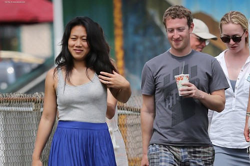 Facebook Mark Zuckerbergmark-zuckerberg-wife-on-the-road 22