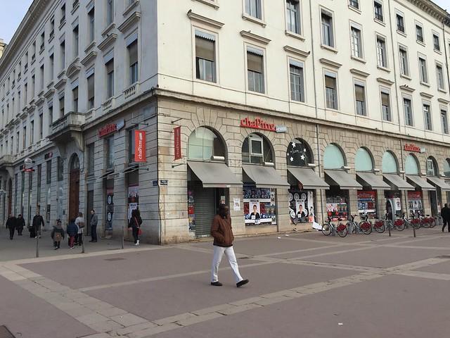 Lyon monoprix s 39 installera la place de la librairie chapitre - Monoprix lyon bellecour ...