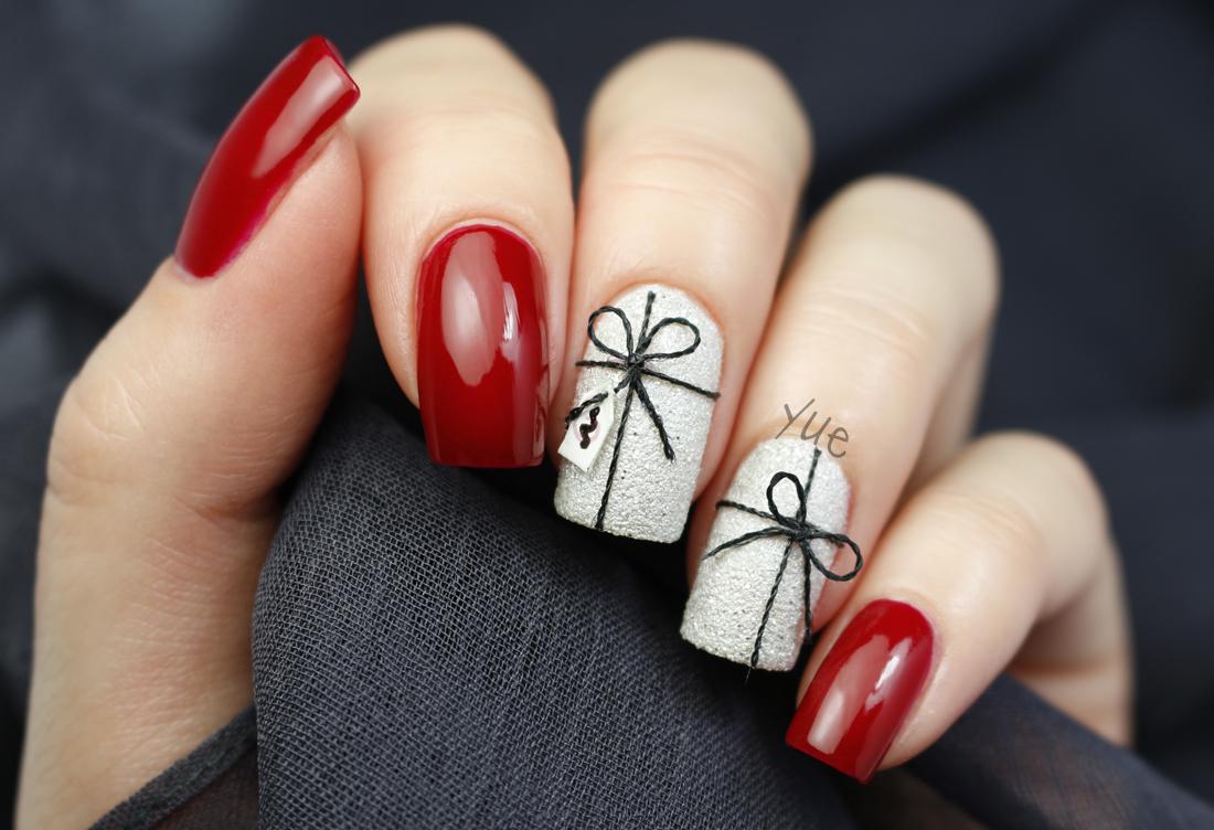 christmas_present_nails