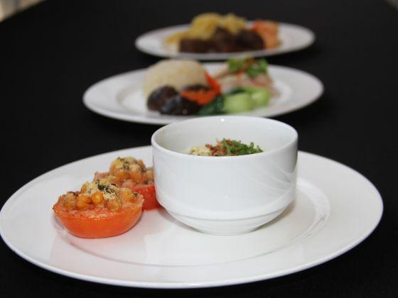 Thực đơn được chuẩn bị cho các vận động viên SEA Games rất đa dạng, từ cơm gà, Mee Soto đến mỳ Ý. (Ảnh: Jaslin Goh)