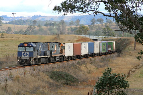 P.N. 5AB6 with NR56 + NR37 approaching Dingadee north of Dungog on Mon 2nd July 2006