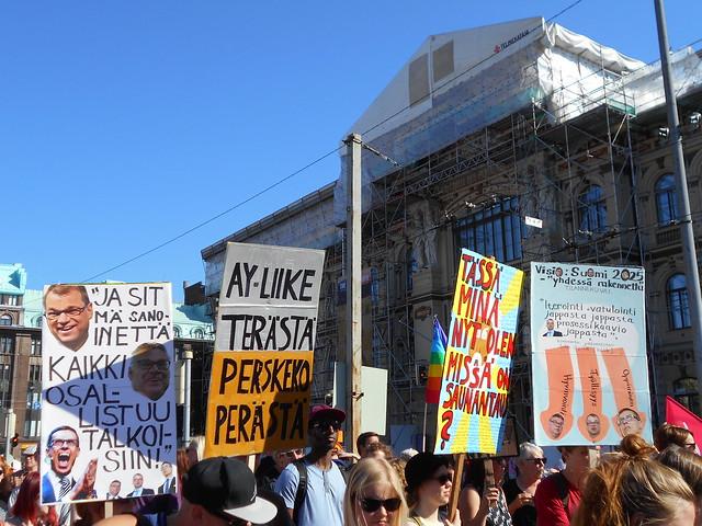 Mielenosoitus Helsingissä hallituksen leikkauspolitiikkaa vastaan 22.8.2015 - 5