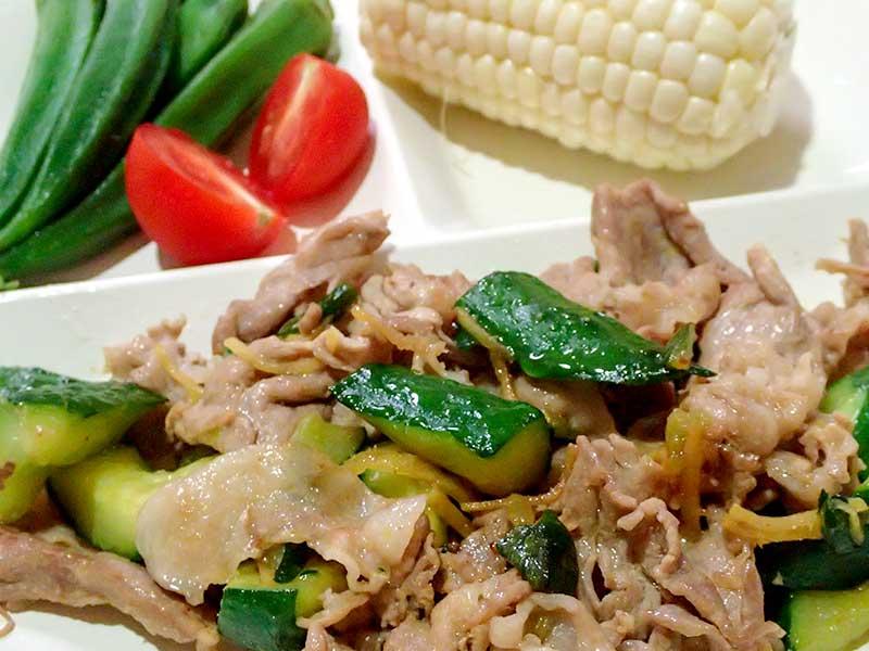 豚肉とキュウリの生姜焼き