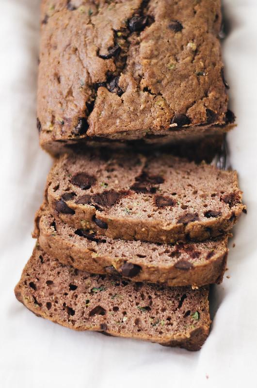 The Best Chocolate Chip Zucchini Bread Recipe Ever on juliettelaura.blogspot.com