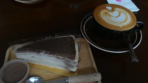 koh samui cake and caramel latte