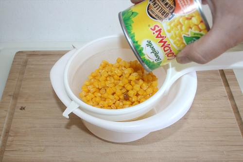 15 - Mais abtropfen lassen / Drain corn