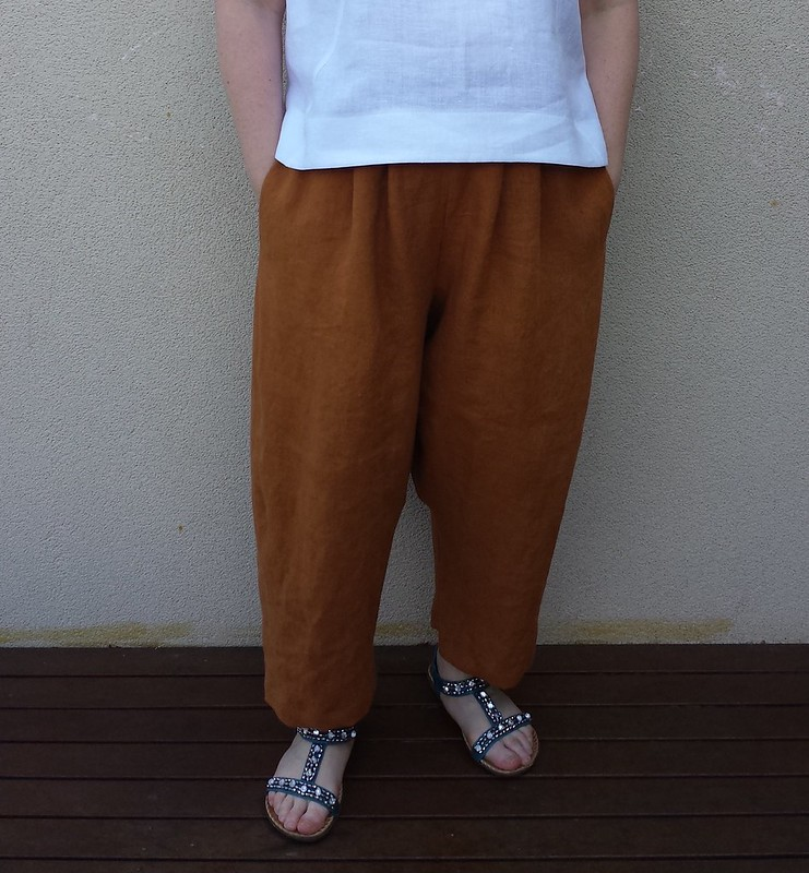 Style Arc Ethel top and pants in Merchant and Mills linen from Stitch 56