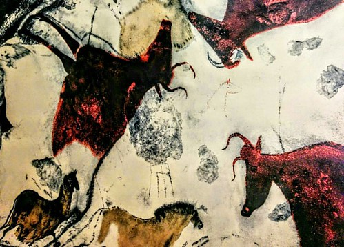 #cavepainting ... I have always been super fascinated with prehistoric cave paintings ..a unique bridge to a specific human experience...while in France I had the opportunity to visit one of these amazing caves...#mindblown #rouffignac #prehistoric #trave