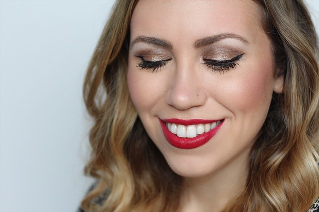 Bronze Eyes Red Lipstick | Holiday Makeup