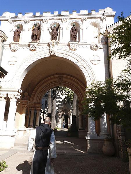 entree du monastere