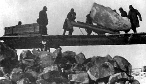 Gulag prisoner` labor at the Belomorkanal construction site