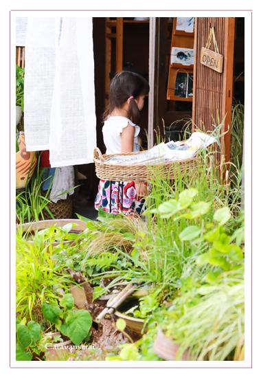 家族写真,子供写真,瀬戸市,瀬戸蔵,街歩き,友達同士,出張撮影,ロケーション撮影,自然な,ナチュラル