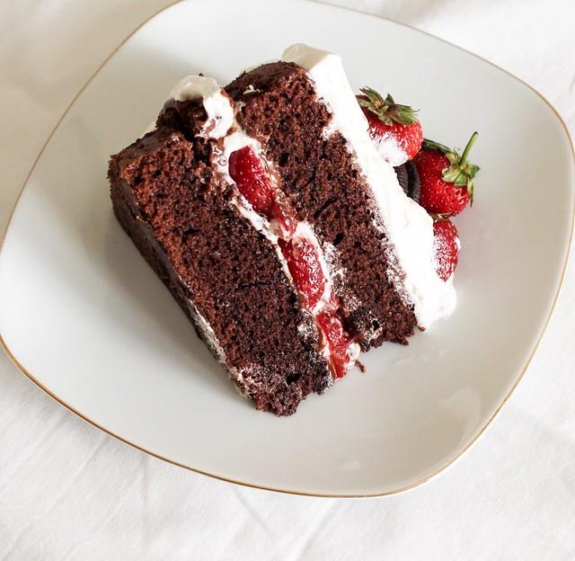 Oreo nutella strawberry layer cake