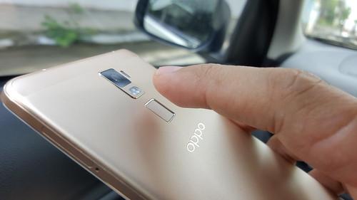 ตัวอ่านลายนิ้วมือของ OPPO R7 Plus เป็นแบบแตะก็อ่านได้แล้ว