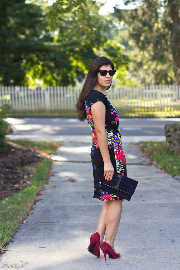 floral print dress, red pumps, clare v clutch-4.jpg