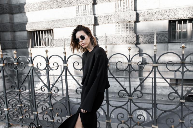 paris fashion week, street style, ss16, all black, Ellery, Protege Flare sleeve top, Dion Lee slash split skirt, monochrome, modern legacy, fashion blogger (1 of 1)